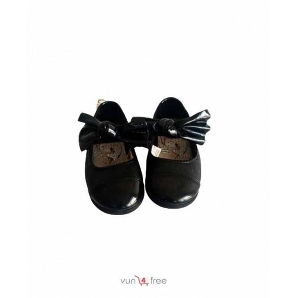 Size 27, Female Kid Flat Shoe