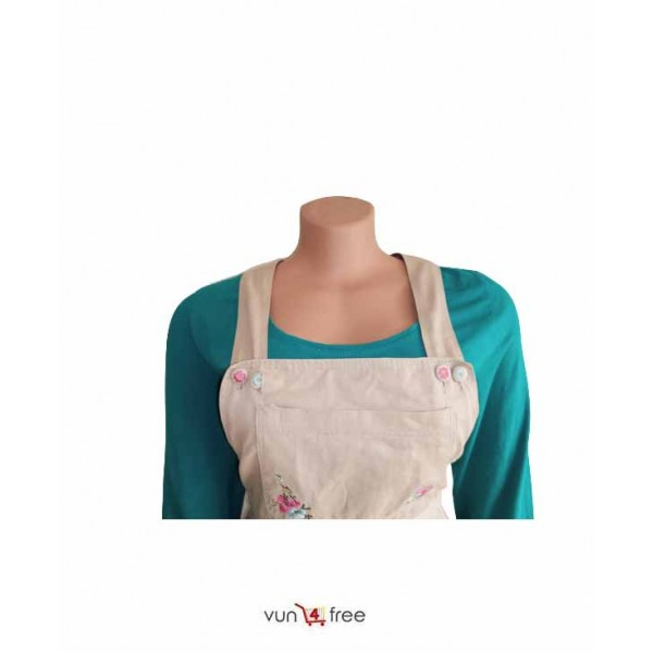 Size XL, Top with a Dungaree Skirt