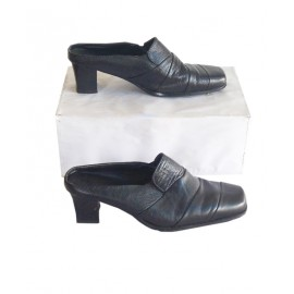 Size 39, Lady's Leather Half Shoe
