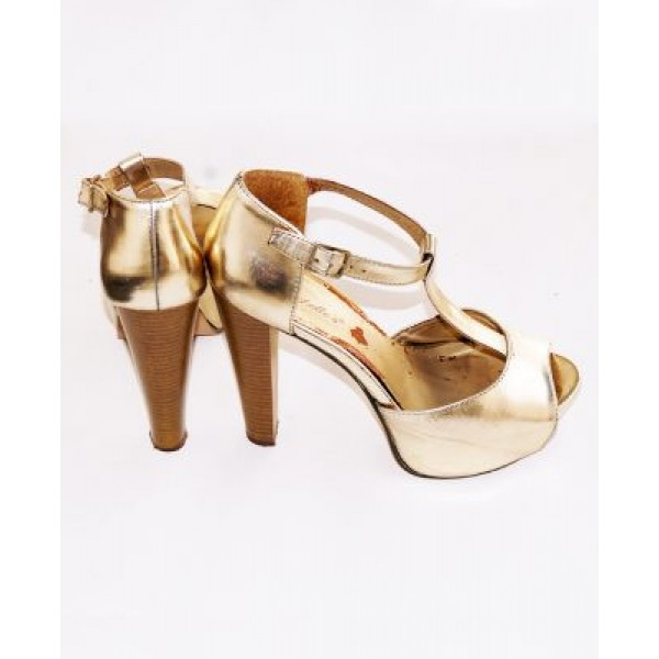 Size 42, Breckelle's heeled sandals